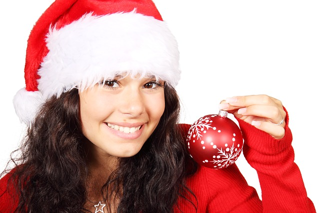 Woman wearing a Christmas hat