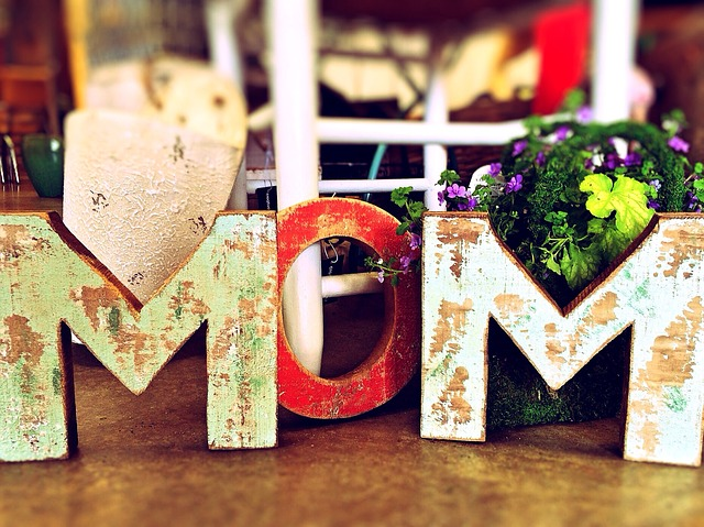 mom decor