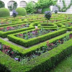 Design Ideas For Big Residential Gardens