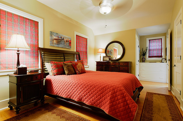 Tidy and bright guest bedroom