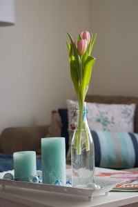 coffee table with pastel colour accents
